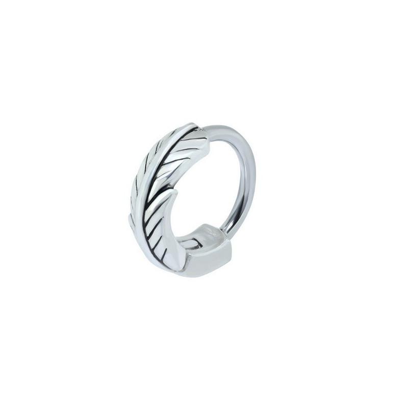 Piercing anneau plume piercing hélix