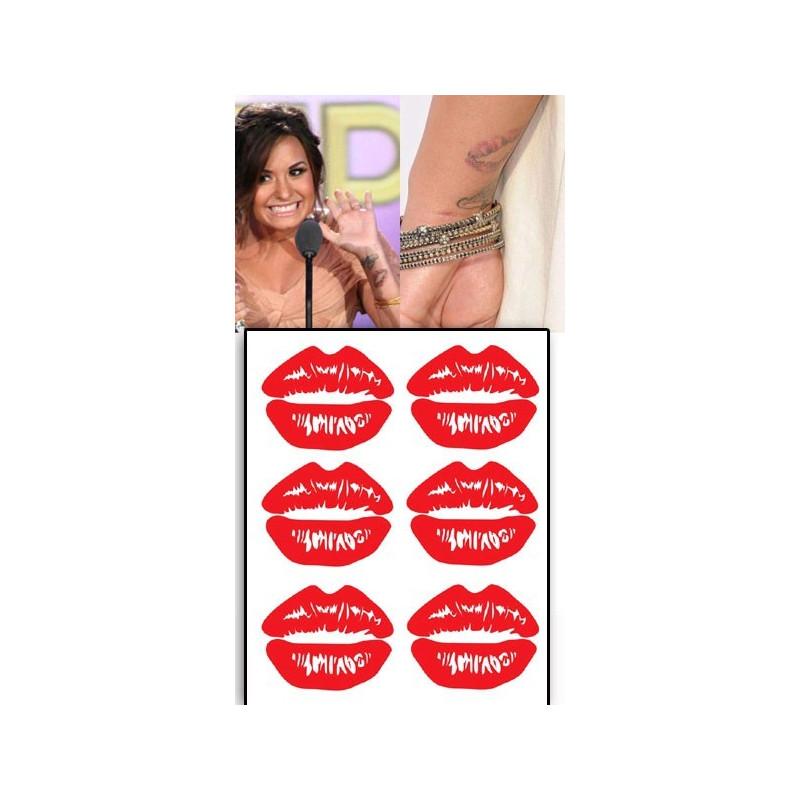 Demi Lovato Tattoos Levres bouche rouge