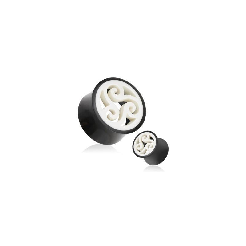 Piercing ecarteur plug triskel en corne et os de buffle noir et blanc